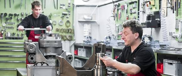 Maintenance / repair of hydraulic pumps and motors at HK Hydraulik